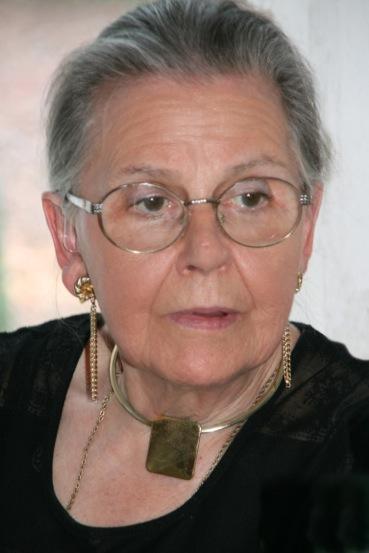 Nicole Hellyn